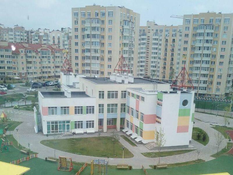 Однокомнатная в сданном доме жк петровский квартал киев